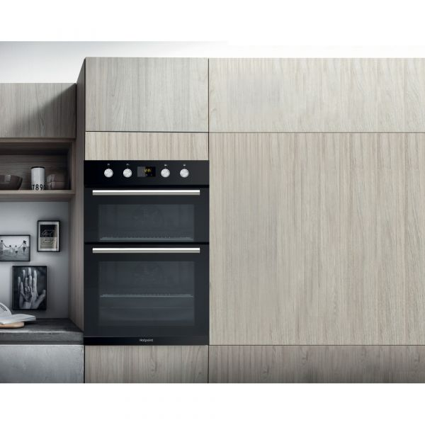 GRADED HOTPOINT Class 2 DD2844CBL Built In Electric Double Oven - Black